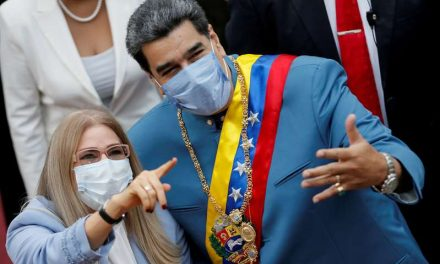 """El Dictador Nicolás Maduro acusa a Facebook de aplicarle """"dictadura mediática"""" al bloquear su cuenta"""