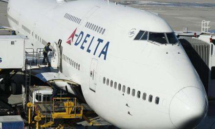 Delta, última aerolínea en abandonar la política de asientos vacíos en Estados Unidos