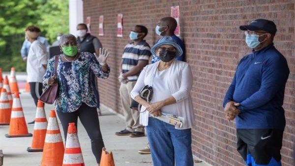 Desempleo en Estados Unidos cae a 6,2%, crecimiento supera estimaciones