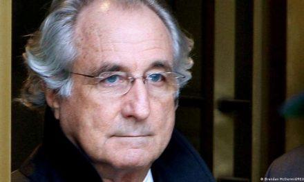 Muere en prisión Bernie Madoff, condenado por la mayor estafa piramidal de la historia