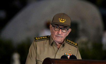 Raúl Castro abandona el liderazgo del Partido Comunista de Cuba
