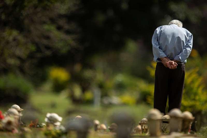 Brasil suma cerca de 3.000 muertes y 70.000 casos diarios