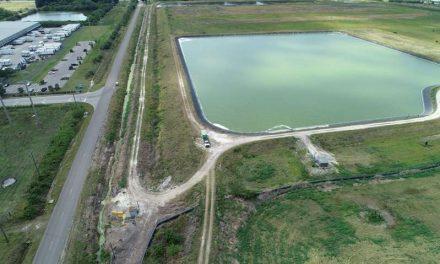 Florida lucha contrarreloj para evitar una catástrofe medioambiental de aguas residuales