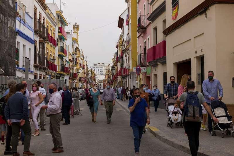 Aumentan casos de COVID y hospitalizaciones en España