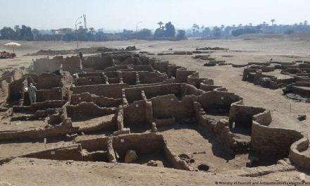 """Descubren en Egipto la """"ciudad dorada perdida"""" de Luxor de 3.000 años de antigüedad"""
