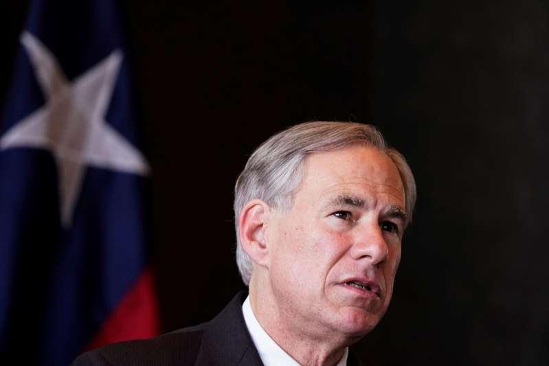 El gobernador de Texas denuncia abuso a menores una instalación migratoria