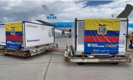 Ecuador recibe el mayor cargamento de vacunas de China contra la covid-19