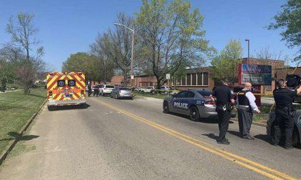 Tiroteo en escuela secundaria de Tennessee deja varias víctimas, incluyendo un oficial de policía