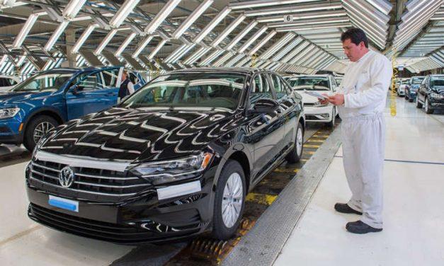 Volkswagen suspende la producción del Jetta y Tiguan en México