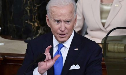 """""""Vayan y vacúnense. Sobran vacunas y están disponibles"""": Biden pide en su discurso ante el Congreso cerrar filas contra el COVID-19"""