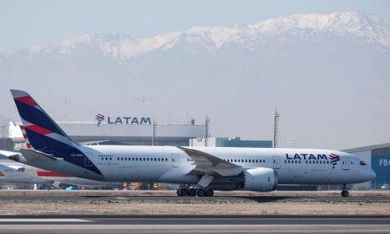 Acciones de Latam Airlines se desploman un 20,4 % y se suspende su cotización