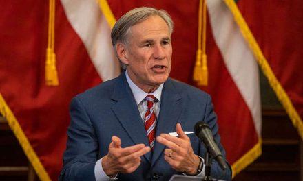 Gobernador Abbot firma una ley que prohíbe la mayoría de los abortos en Texas
