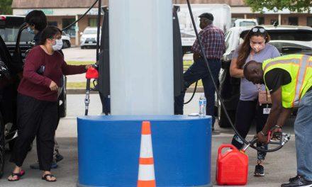 Cuatro estados declaran emergencia y cientos de gasolineras cierran por el ciberataque al oleoducto