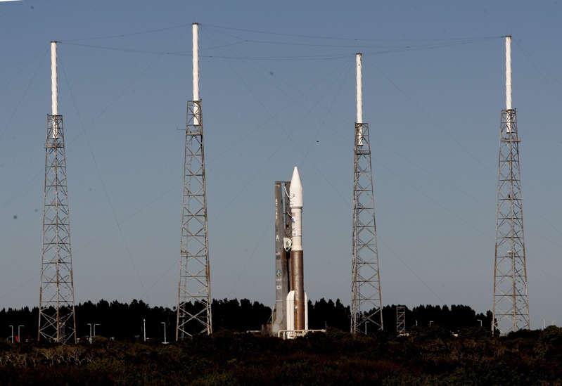 Lanzan desde Estados Unidos un satélite que alerta sobre envío de misiles