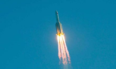 La NASA regaña a China después de que su cohete aterrizara fuera de control en el Océano Índico