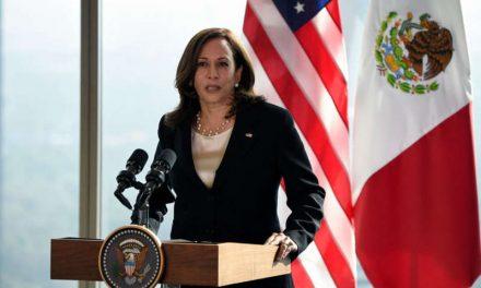 Kamala Harris tiene otro tenso enfrentamiento sobre cuándo visitará la frontera entre México y Estados Unidos