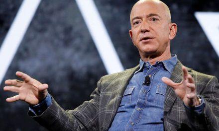 Miles firman una petición para que se le niegue a Jeff Bezos el reingreso a la Tierra después de un viaje espacial