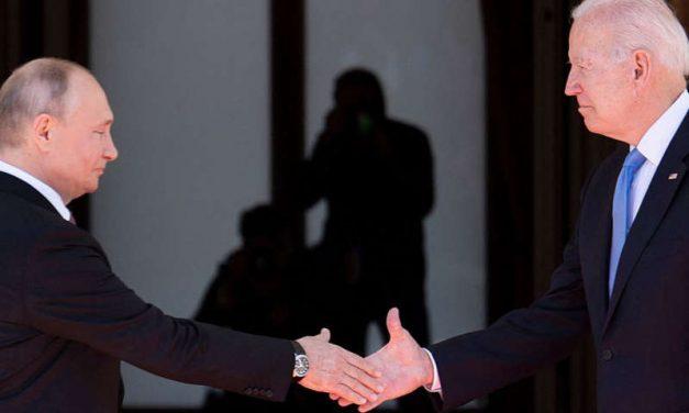 """Administración Biden lanza advertencia a Putin sobre """"hackers"""" rusos tras ataque en empresa en Miami"""