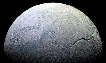 Un estudio demuestra que la cantidad de metano de Encélado podría ser generado por vida microbiana