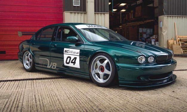 Este genial Jaguar X-Type SCV8 de carreras está en venta
