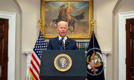 """Joe Biden sobre evacuación de ciudadanos en Afganistán: """"Muchas cosas pueden salir mal"""""""