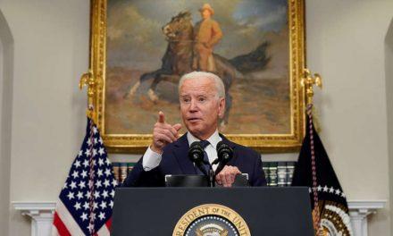 """Biden advierte que otro ataque en Kabul es """"sumamente probable"""" en las próximas 24 a 36 horas"""