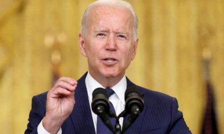 """""""No perdonamos, no olvidamos"""". Biden promete """"cazar"""" a los líderes del ISIS y """"hacerles pagar"""" el atentado de Kabul"""