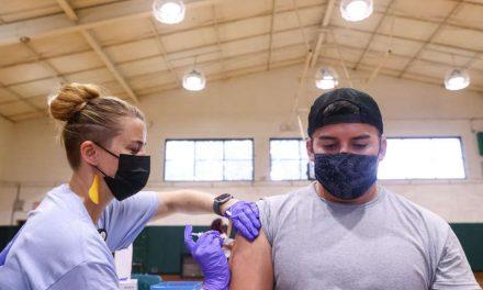 Estados Unidos planea ofrecer una dosis de refuerzo de vacuna Covid-19 en el otoño
