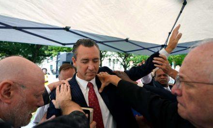 Pastores evangélicos se vacunan, sin recomendar la vacuna