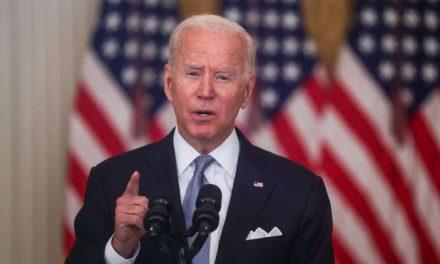 Aprobación de Biden cae a su nivel más bajo en EEUU tras la llegada al poder de los talibanes