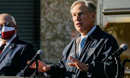 Gobernador de Texas, Greg Abbott da positivo a COVID-19
