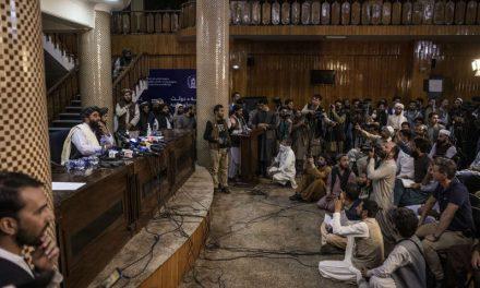 Los talibanes aumentan su presencia en las redes sociales, con lo que desafían las prohibiciones de las plataformas