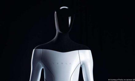 Tesla trabaja en un robot humanoide que realizará tareas rutinarias y arriesgadas