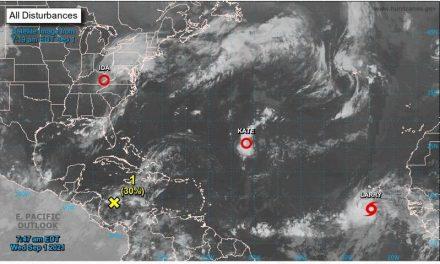 La tormenta Larry se fortalece y puede que se convierta en huracán esta noche